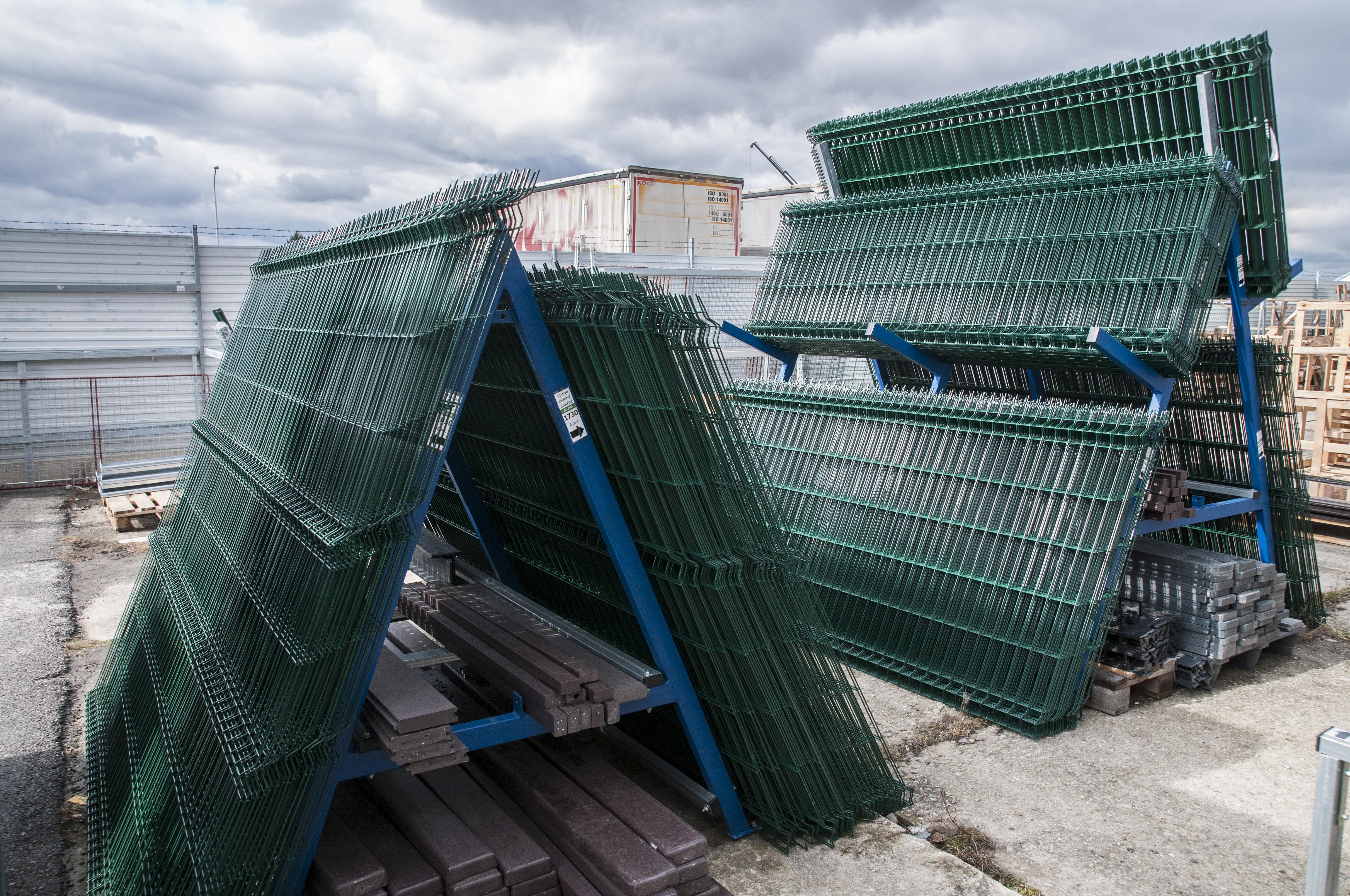 plotové panely na skladě