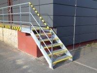 Bočnice k ocelovým schodišťovým stupňům